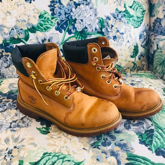 Timberland Wheat Leather Waterproof Boots Size 6W